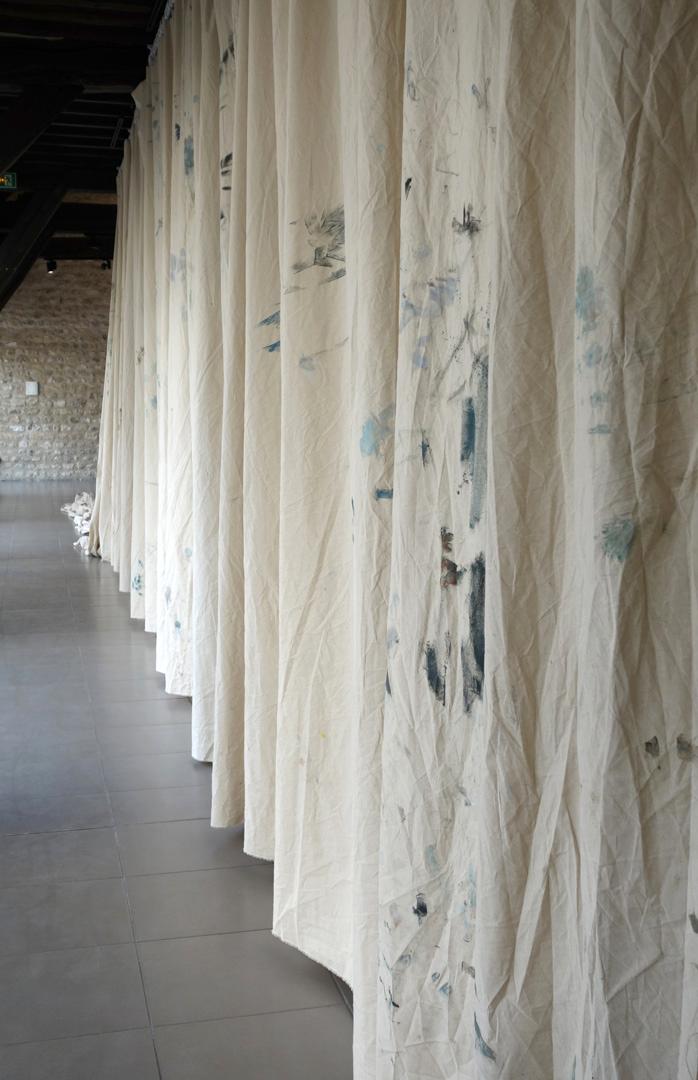 https://mireilleblanc.com/files/gimgs/th-6_Mireille-Blanc-Peintures-images-rideaux-2018-5.jpg